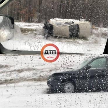 Зимова гума – то для слабаків: через сніг у Києві вже сталося більше 50 ДТП