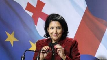 Не та мова, яка об'єднує: президент Грузії відмовилась спілкуватись російською