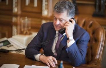 """Українцям масово """"дзвонить Порошенко"""" і просить підтримати його на виборах"""