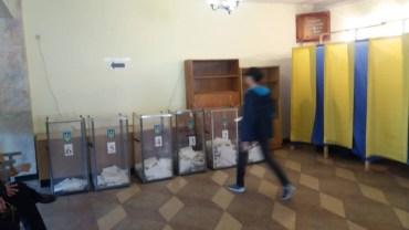 У Тернополі Порошенко підтримали 29 тисяч виборців, Гриценка 25,5 і Зеленського 18,7