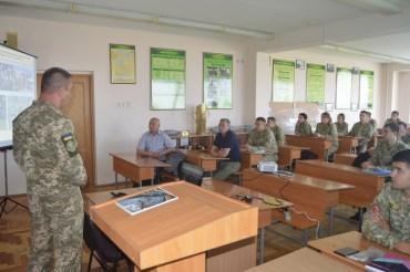 Тернополян закликають стати на захист України у військовому резерві