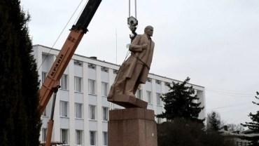 Декомунізацію в Україні намагаються зупинити?