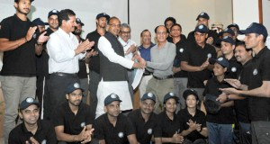 Vijay Goel flagging off a team of Mountaineers for Cleaning Himalayas, as part of Swachh Bharat Mission, in New Delhi on May 09, 2017. 	The Secretary, Ministry of Youth Affairs, Dr. A.K. Dubey is also seen.