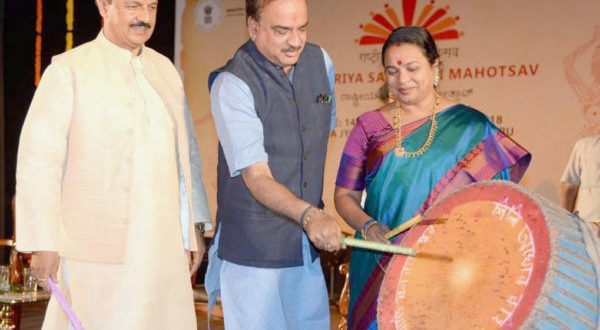 The Union Minister for Chemicals & Fertilisers and Parliamentary Affairs,  Ananth Kumar and the Minister of State for Culture (I/C) and Environment, Forest & Climate Change, Mahesh Sharma inaugurating the Rashtriya Sanskriti Mahotsav-2018, at Bengaluru on January 14, 2018 to  'Celebrate our plural traditions, 'Ek Bharat Shrestha Bharat'