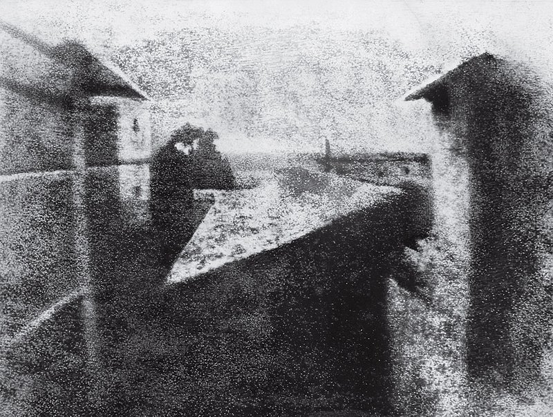 Zdjęcie 3. Źródło: http://100photos.time.com/photos/joseph-niepce-first-photograph-window-le-gras