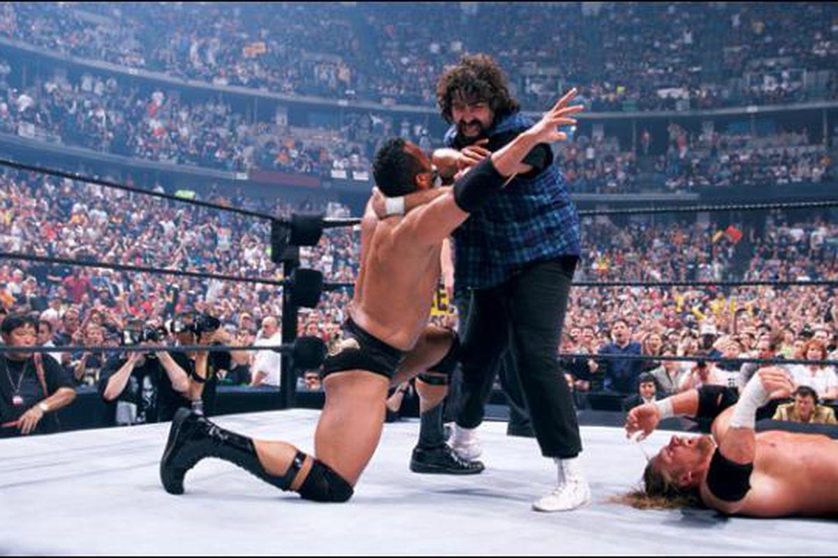 Wrestling Rewind: WWF WrestleMania 2000 – Pro Wrestling Transcriptions