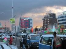 La zona de centros comerciales en Addis Ababa, Etiopía