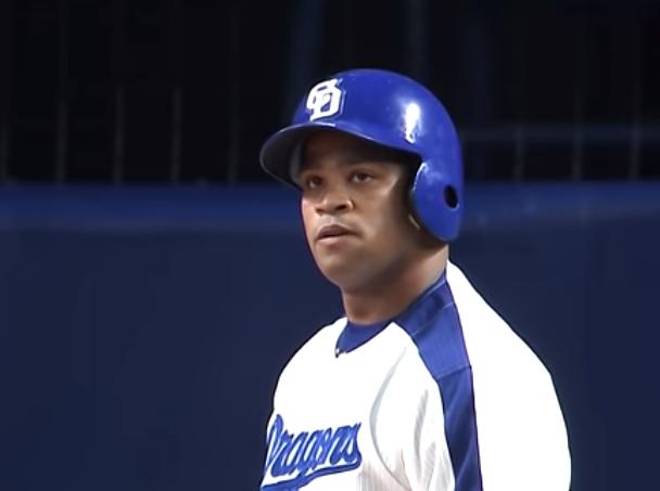 ビシエド 中日 8月 月間MVP 最多安打 日本記録