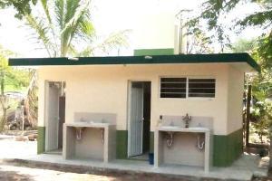 Sanitarios nuevos para el Tebaev de San Felipe, en Comapa