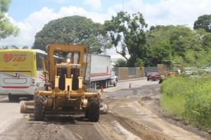Reparan tramo carretero lateral del puente de La Muerte en Cuitláhuac