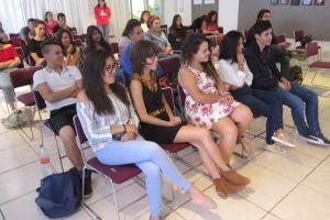 El Librofest, espacio donde estudiantes encuentran materiales que complementen su formación académica