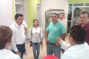 Realiza recorrido Gustavo Díaz Sánchez en Centro de salud y anuncia construcción de barda