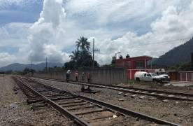 Ferrosur suple puente dañado durante choque de trenes en Río Blanco