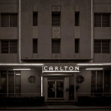 """Carlton Hotel - Miami Beach, Florida"" - Julio López Saguar - 070814"