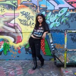 """Retrato sobre graffitis"" - Xavier Ferrer - 230115"