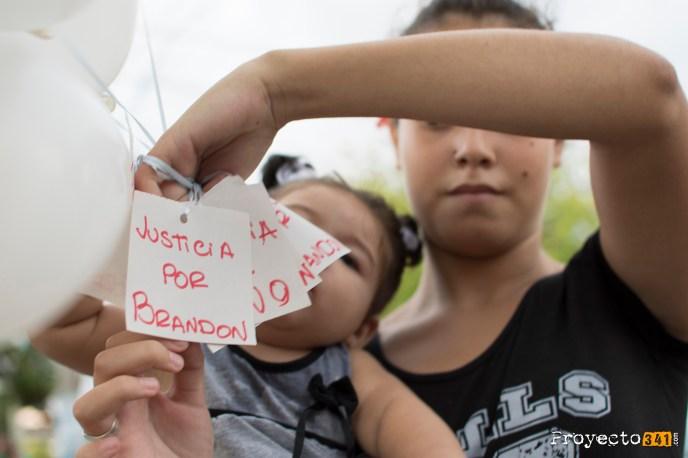 Preparando los globos con mensajes para Brandon. #Proyecto341 #BrandonCardozo #Nano #fotoperiodismo #Rosario PH: Sebastian Criado , reservados todos los derechos / all rights reserved