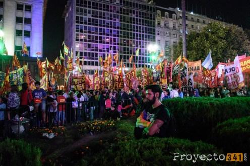 Durante la noche la plza se volvió a llenar con las columnas de los partidos de izquierda Fotografía: © Sebastián Criado, proyecto341.com reservados todos los derechos / all rights reserved