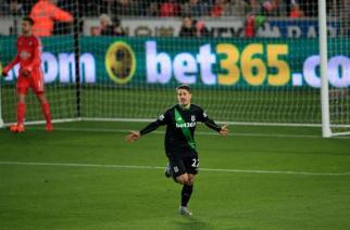 Bojan da el triunfo al Stoke City ante el Swansea