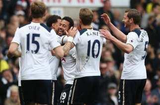 El Tottenham golea y acecha al Chelsea