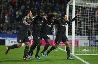 Willian guía al Chelsea en la victoria ante Huddersfield
