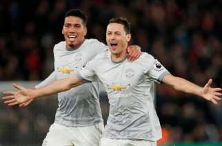 El United gobierna en el caos