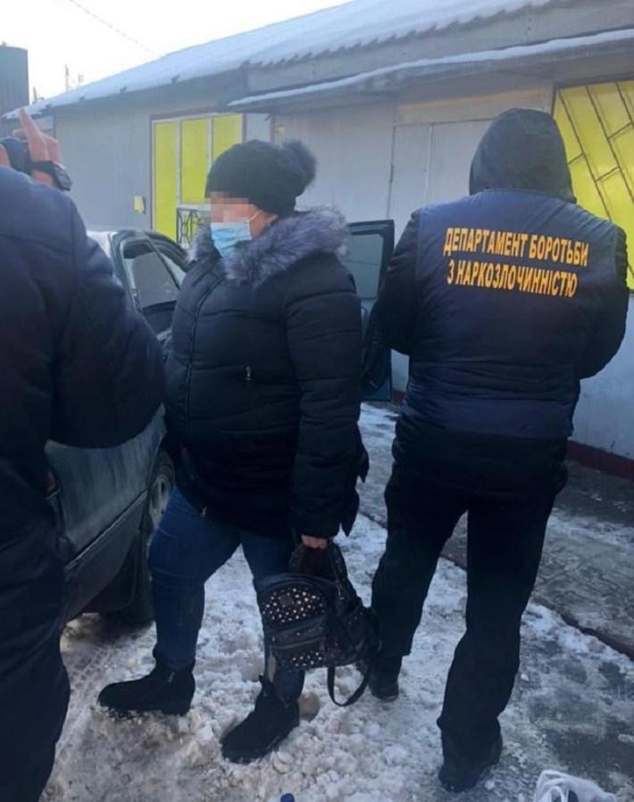 У Львові поліція затримала жінку, яка збувала наркотики