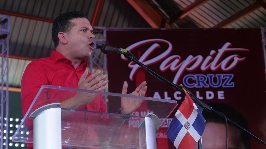 En acto de proclamación de Papito Cruz: Candidato alcalde del PRSC en Santiago promete realizar una administración transparente y eficiente