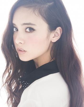 モデルの石田ニコルさん
