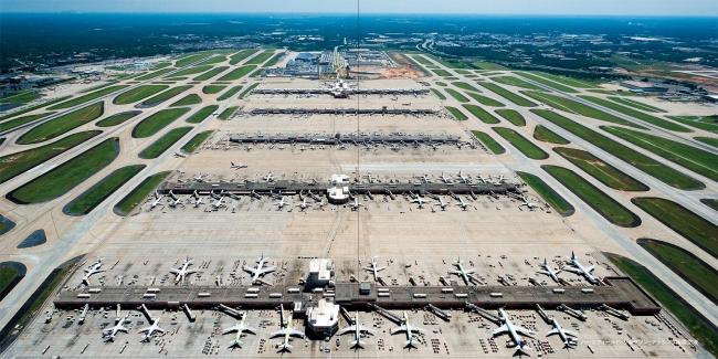 ハーツフィールド・ジャクソン・アトランタ国際空港/アメリカ