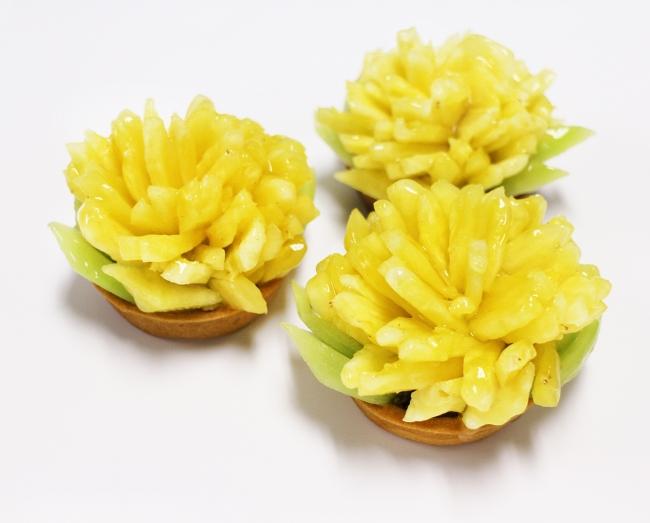 黄色いカーネーション ―パイナップル―:900円(税込)/直径7cm