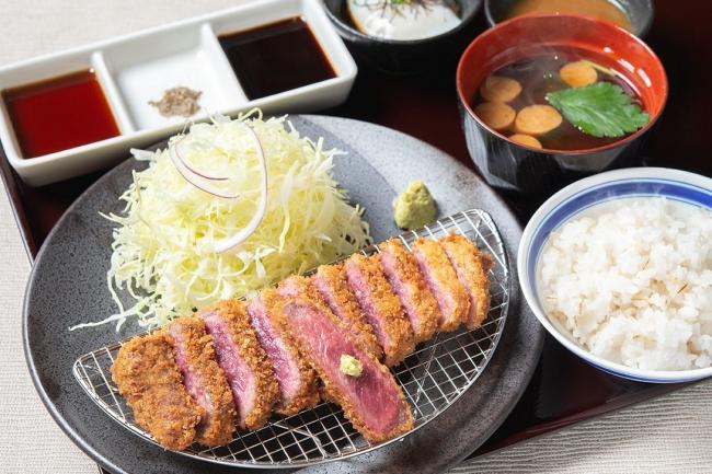 名物 牛カツ京玉膳:1,380円(+税)