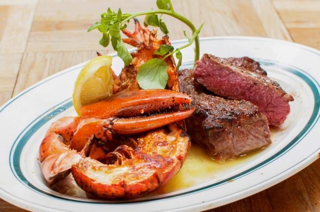 【肉×海鮮】の新提案『ロブスターグリル&ステーキ』