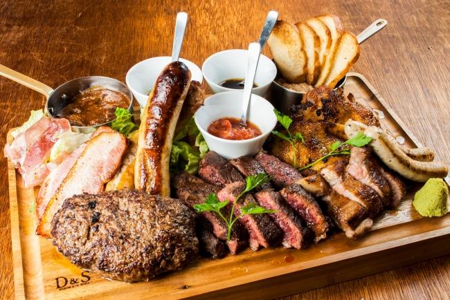 Instagramで大人気!総重量1kg全10種の肉盛り「ニックビレッジ」