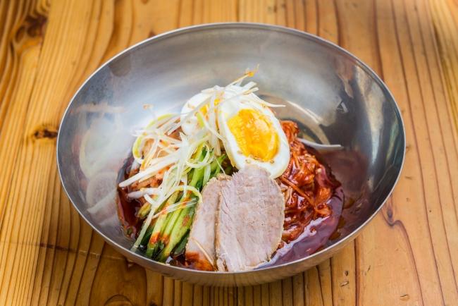 【ピビン麺】程よい辛みと旨みのある甘辛冷麺!