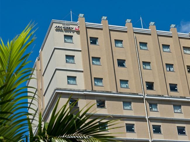 沖縄随一の繁華街、国際通りの中央に位置し、利便性抜群!