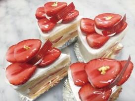オリジナルスイーツ例 (神戸洋藝菓子ボックサンのおいCベリー苺スペシャルショートケーキ)