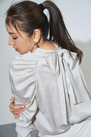 blouse ¥16,000+tax