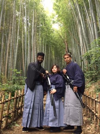 竹林が美しい「ひよどり坂」にて