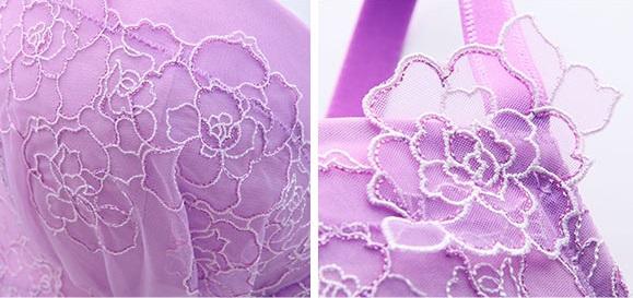 上品なバラ刺繍のチュールレース