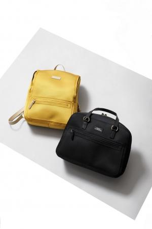 『23区BAG』×『NAOTO SATOH』            バッグ(BOGKYM0370)¥37,800 (税込)       バッグ(BOGKYM0371)¥41,040 (税込)