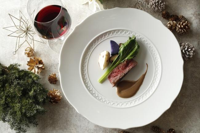和牛サーロイン肉の鉄板焼き モリーユ茸のソース