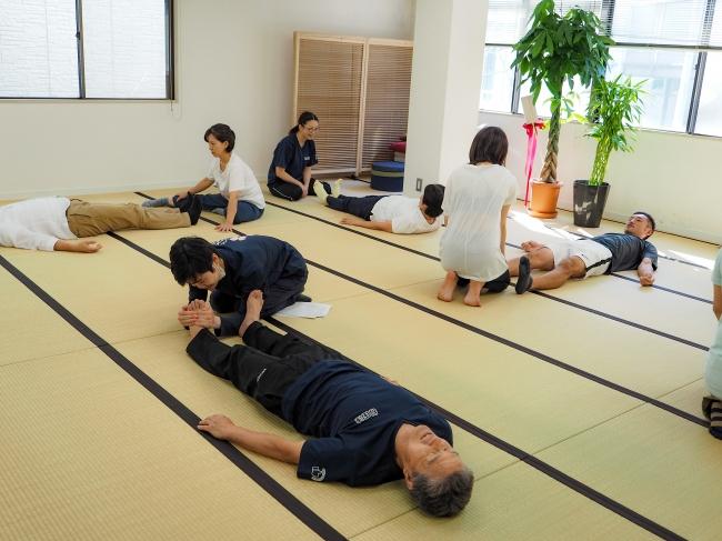 全身協調を伴う動作は骨格の変位を正常に整復します