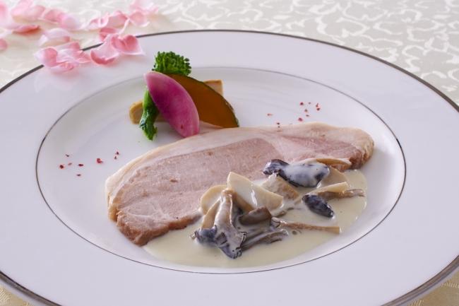 3月:豚ロース肉のコンフィ キノコクリームソース