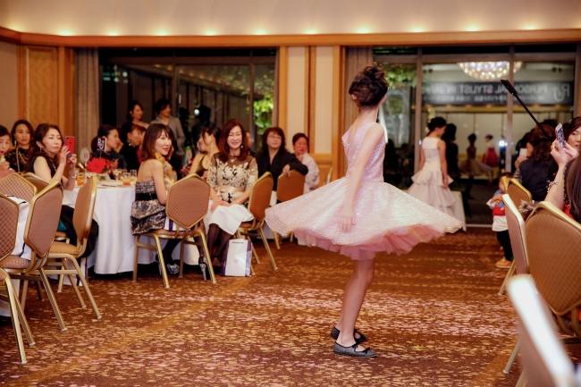 乙女塾0期生達によるファッションショーも行われた