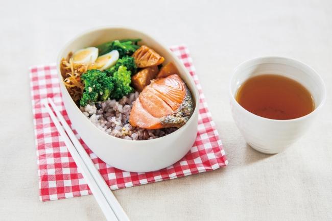 布貼小判一段弁当箱 レッド ¥2,160(税込)