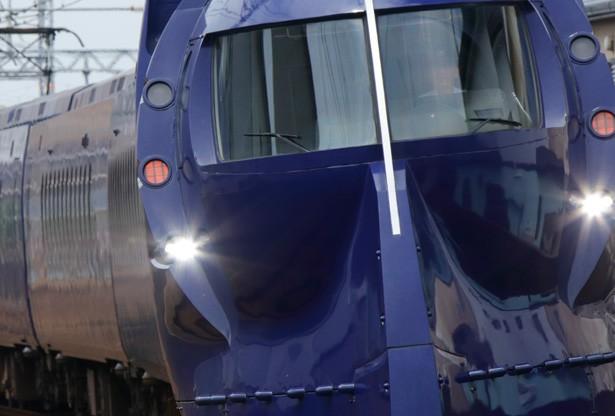 誕生から23年過ぎても愛され続ける 南海電車の「ラピート」。他にも、大阪を走る特急&一般車両を全56種どーんと紹介!