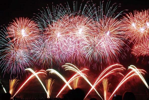 9位 諏訪湖祭湖上花火大会(長野県諏訪市)