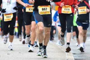 personas corriendo maratón