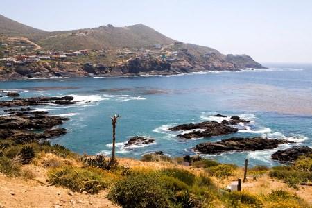 expat-beautiful-ocean-water-and-rocks-near-la-bufadora-ensenada-baja-california-mexico