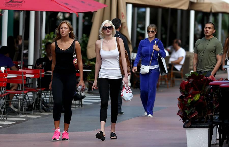 Yoga Pants -women-walking
